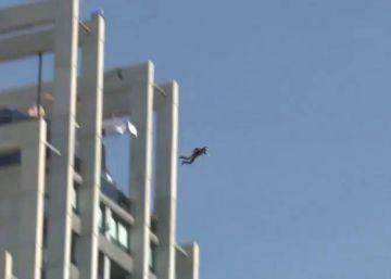 Saltos ilegales desde las alturas en Benidorm