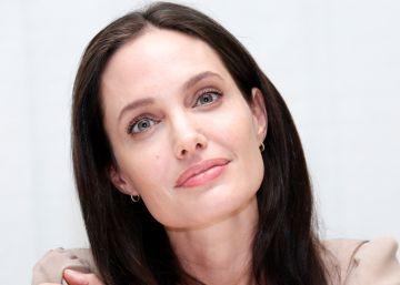 Angelina Jolie contrata una gestora de crisis para su divorcio