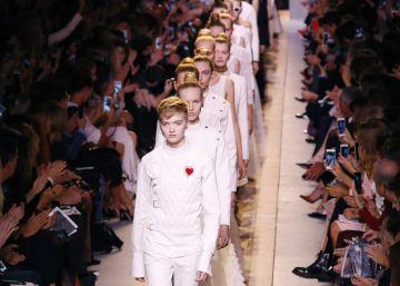 Maria Grazia Chiuri defiende la igualdad en Dior