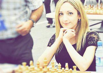 Campeã de xadrez dos EUA se nega a usar hijab para jogar no Irã