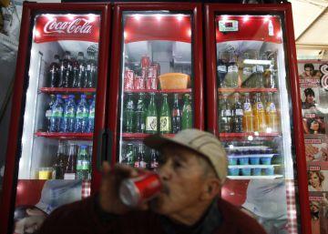 """La OMS pide un impuesto del 20% a las bebidas azucaradas para """"salvar vidas"""""""