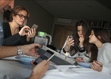 'Sexting', 'grooming', 'ciberacoso'... Cómo proteger a nuestros hijos en Internet