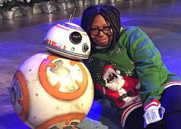 Whoopi Goldberg diseña jerséis navideños horteras