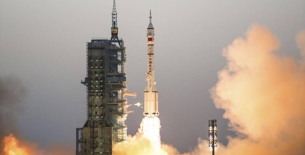 China lanza la misión tripulada más larga de su historia