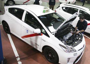 Los taxistas de Pamplona exigen a sus clientes 60 euros por vomitar en su coche