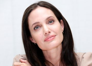 El FBI interroga durante tres horas a Angelina Jolie y a sus hijos