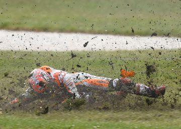 Crutchlow vence tras la caída de Márquez en la carrera de MotoGP