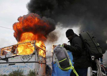Incendio en la 'Jungla' de Calais