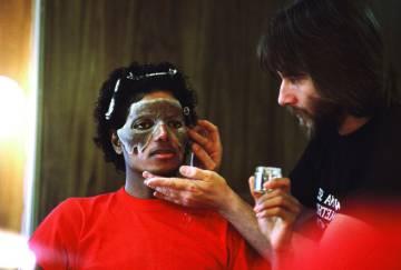 Jackson necesitaba cinco horas de maquillaje para transformarse en zombi.