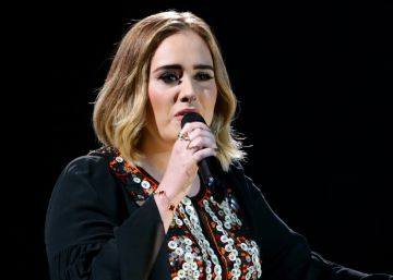 Adele se declara fan de Hillary Clinton
