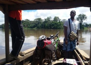 África a pedales (3): La mirada del genocidio