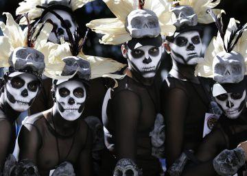 La película 'Spectre' se cuela en el Día de Muertos de la capital mexicana