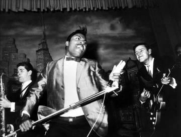 Little Richard durante una actuación en 1965. No había nada más salvaje sobre un escenario (en 1955 Richard arrasó con 'Tutti frutti)'.