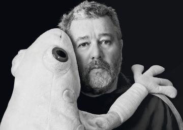 El diseñador que conmovió al mundo con un exprimidor en forma de calamar