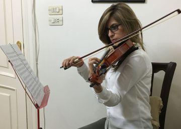 Clases de violín para acallar las bombas