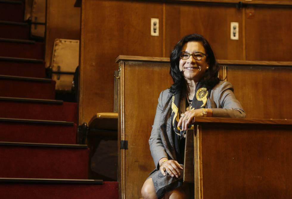 María Oquendo, presidenta de la Sociedad Americana de Psiquiatría en el aula Magna de la Fundación Jimenez Diaz, en Madrid