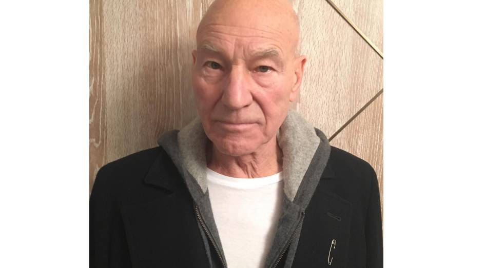 El actor Patrick Stewart con un imperdible.
