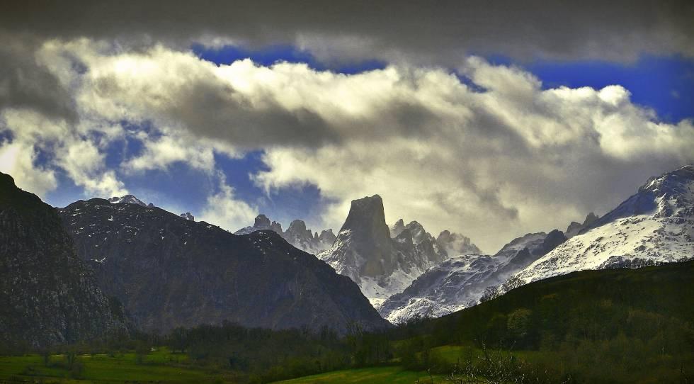 El Picu Urriellu o Naranjo de Bulnes, en la vertiente asturiana de Picos de Europa.