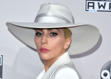 "Lady Gaga: ""Es legal seguirme y acecharme en la playa"""