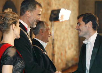 Casillas y Sara Carbonero se visten de gala para cenar con los Reyes