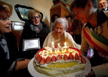 Así cumple años la mujer más vieja del mundo