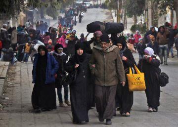 30.000 desplazados reciben ayuda tras escapar de Alepo
