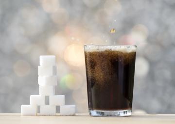 Por qué es una buena idea que el Gobierno grave las bebidas azucaradas