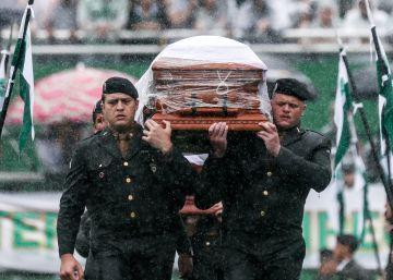 El funeral por las víctimas de accidente de avión del Chapecoense