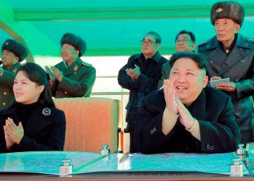 Reaparece la mujer de Kim Jong-un tras nueve meses de ausencia pública
