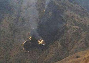 Un avión con más de 40 pasajeros se estrella en el norte de Pakistán