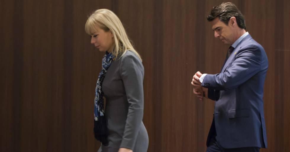 La comisaria de Mercado Interior, Elzbieta Bienkowska, con el exministro José Manuel Soria
