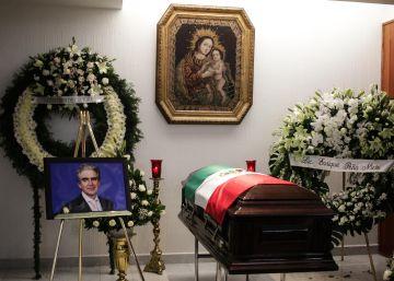 El funeral de Rafael Tovar y de Teresa en imágenes