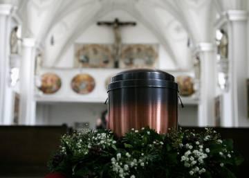 Urna con cenizas en una iglesia de Bernried (Alemania)rn Johannes SimonGetty Imagesrn