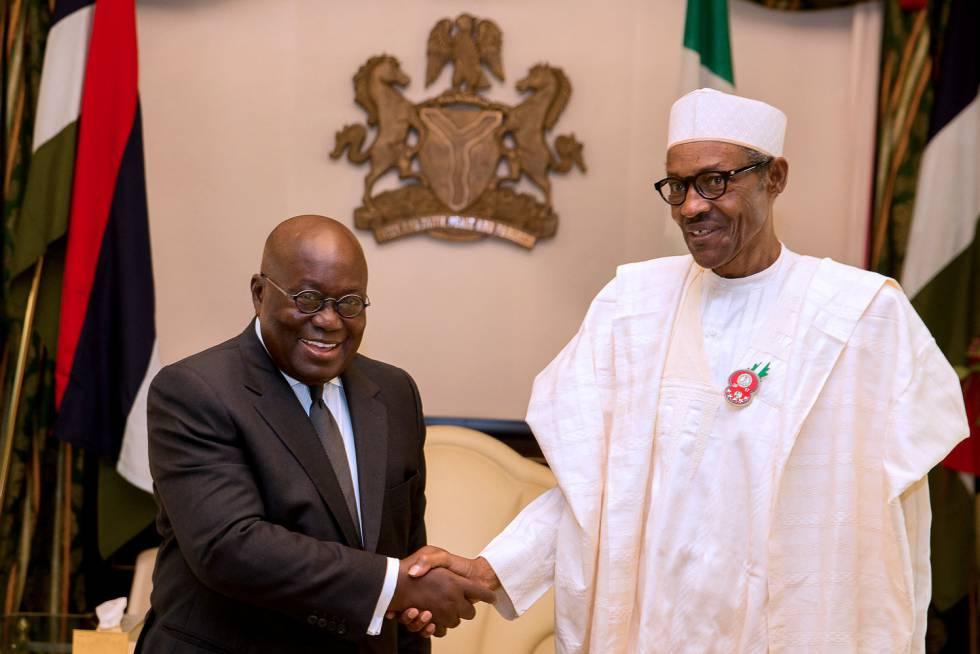 Nana Akufo-Addo junto al presidente de Nigeria, Mahamadu Buhari.