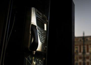 Elogio fúnebre de las cabinas de teléfono