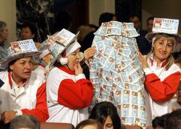 Las fotos más tristes de gente celebrando la Lotería
