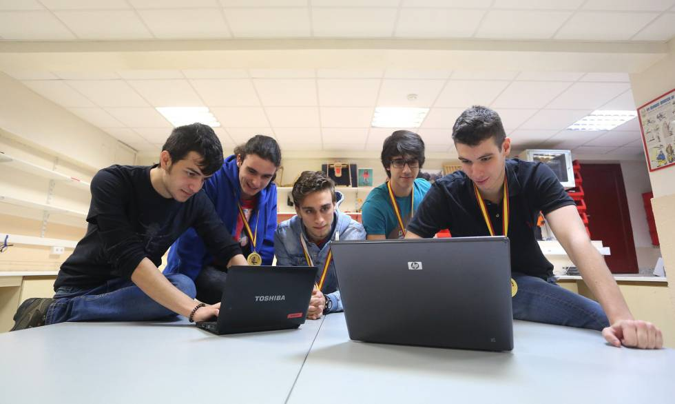 Los ganadores del CyberCamp en el colegio Montserrat de Madrid.