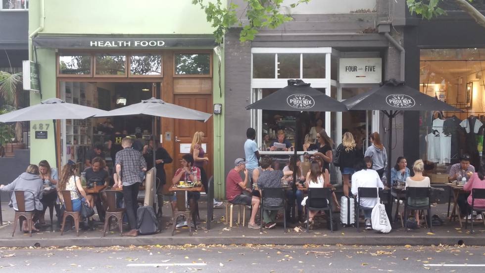 Terrazas de restaurantes en Crown St, Surry Hills.