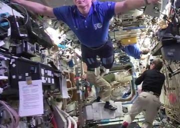 El más difícil 'mannequin challenge': sin gravedad a 400 kilómetros de la Tierra