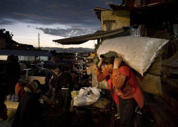 Un mercado guardián de la lengua y los saberes de Ecuador