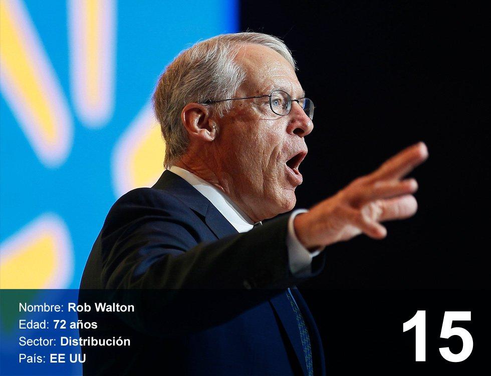 Rob Walton. 34.400 millones de dórales.  Es el hijo mayor del fundador de Wal-Mart, el gigante de la distribución de Estados Unidos. Nació en 1944 en Tulsa (Oklahoma, Estados Unidos). En 1966 se graduó en la Universidad de Arkansas, tres años después empezó a trabajar en la empresa familiar y en 1978 se convirtió en vicepresidente. En 1992 pasó a ser presidente del grupo, tras la muerte de su padre. Como nota curiosa en su biografía, Bloomberg asegura que en 1985 se tomó un año sabático para preparase un Ironman en Hawai, una de las pruebas deportivas más duras. Tiene tres hijos.