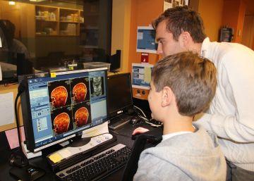 La zona cerebral que reconoce las caras crece hasta la edad adulta