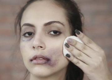 Una revista marroquí enseña a desmaquillarse a las mujeres maltratadas
