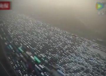 Un dron graba un atasco masivo en China