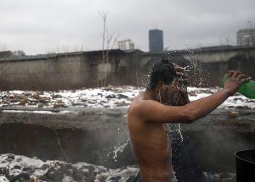 Miles de refugiados sufren la ola de frío europea