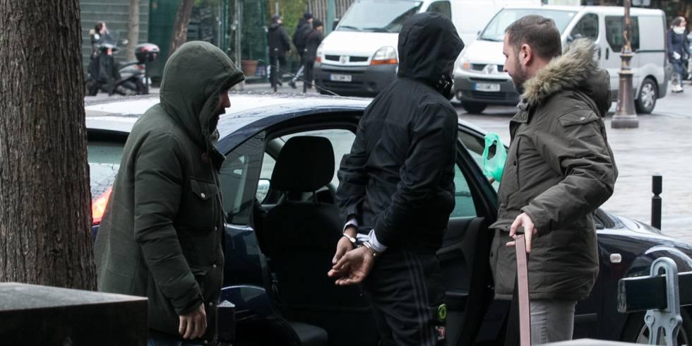 Detención de uno de los sospechosos de haber robado a Kardashian en París.