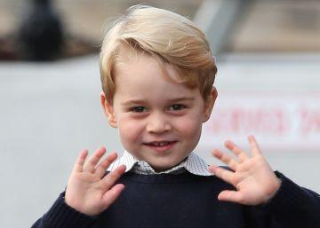 El uniforme del príncipe Jorge en su nuevo colegio cuesta mil euros