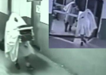 Dos exconcejales brasileños roban una impresora disfrazados de fantasmas