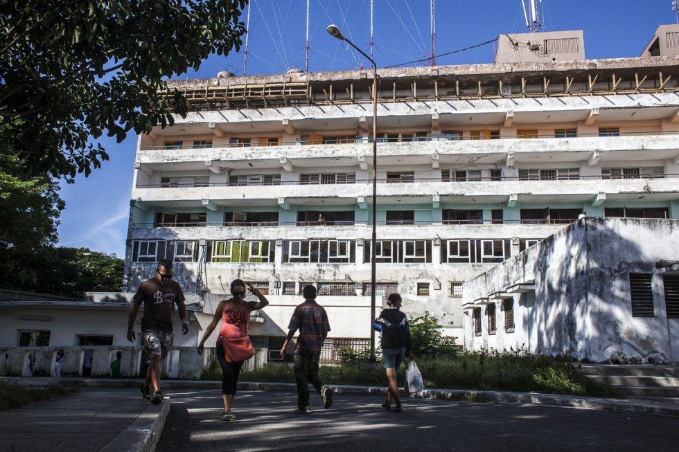 Trabajos de rehabilitación en el hospital Julio Trigo. Los centros hospitalarios necesitan en su gran mayoría obras de restauración, reconstrucción y mantenimiento.