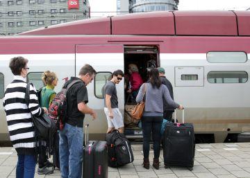 Holanda impulsa su revolución eléctrica con los 'trenes eólicos'
